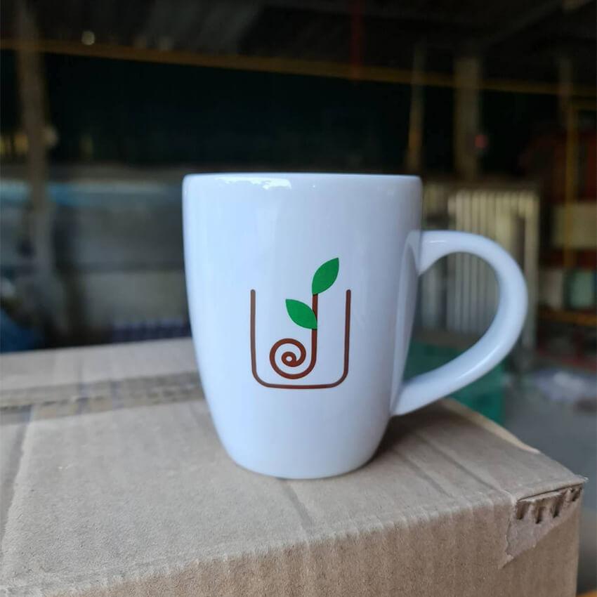 แก้วกาแฟเซรามิคสวยๆ ของเรา